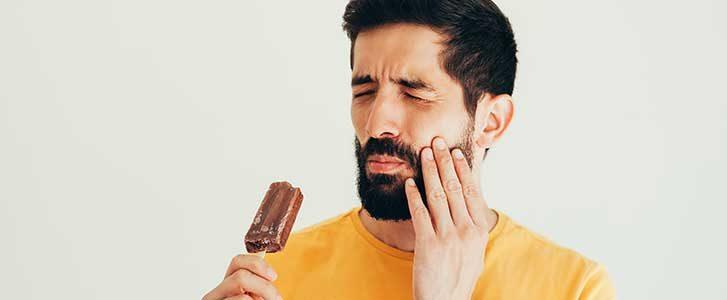 diminuire gli zuccheri male ai denti